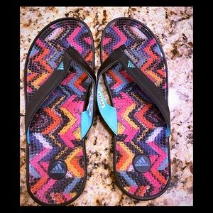 NWOT Adidas colorful flip- flops unisex size 9